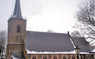 Kerstzang bij kaarslicht in de Dorpskerk